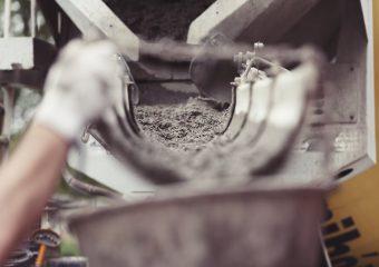 Tynki renowacyjne i elewacyjne – niezawodna chemia budowlana